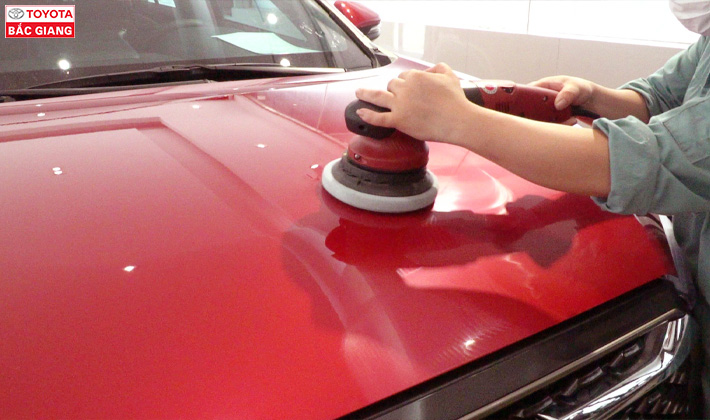Đánh bóng vệ sinh vỏ xe oto 2